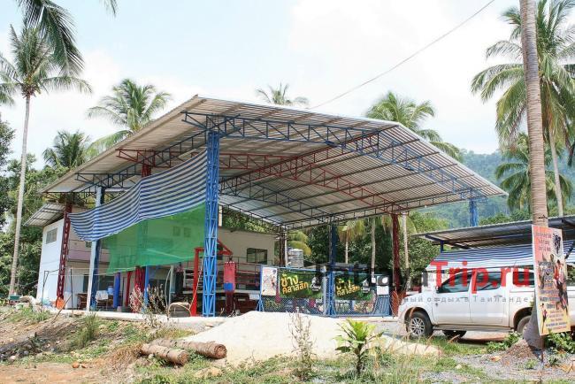 Центр тайского бокса в южной части пляжа Bailan