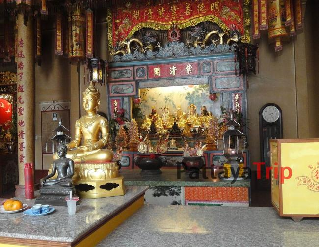 Китайский храм в Чианг Рай