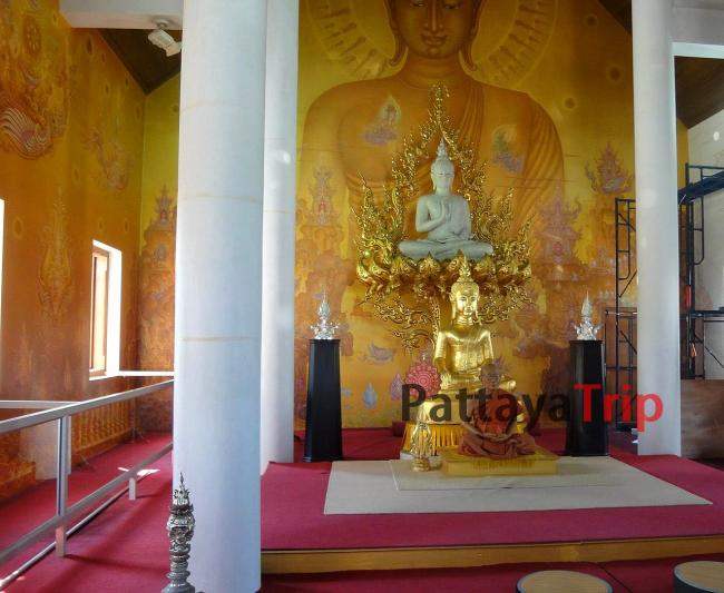 Белый храм в Чианграй (Таиланд)