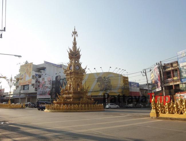Городские часы в Чианграй