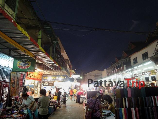 Ночной рынок в Чианг Рай