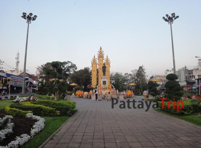 Памятник Менграю, основателю Чианг Май