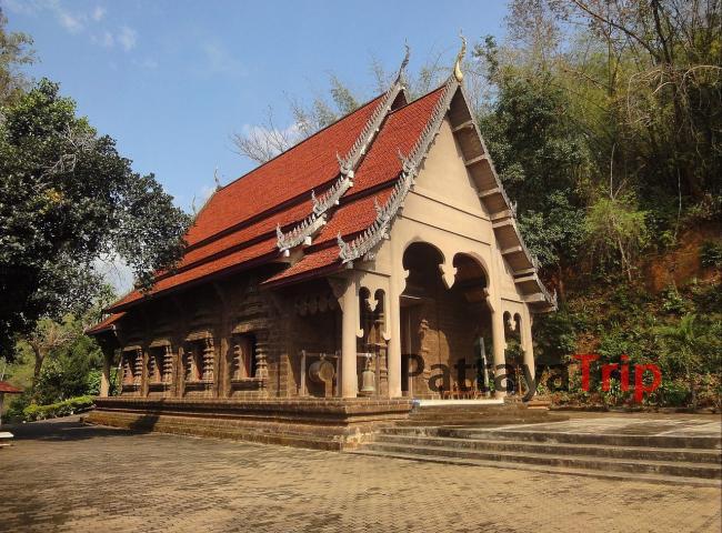 Wat Prathat Pukhao - новый храм