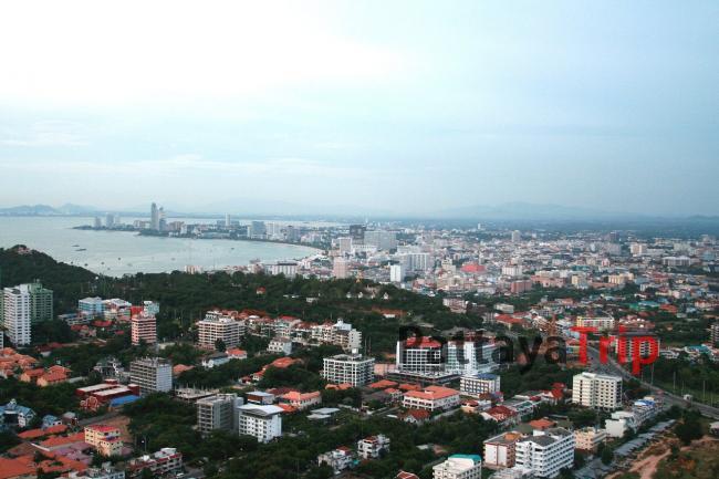 Вид с обзорной площадки с башни Паттайя Парк