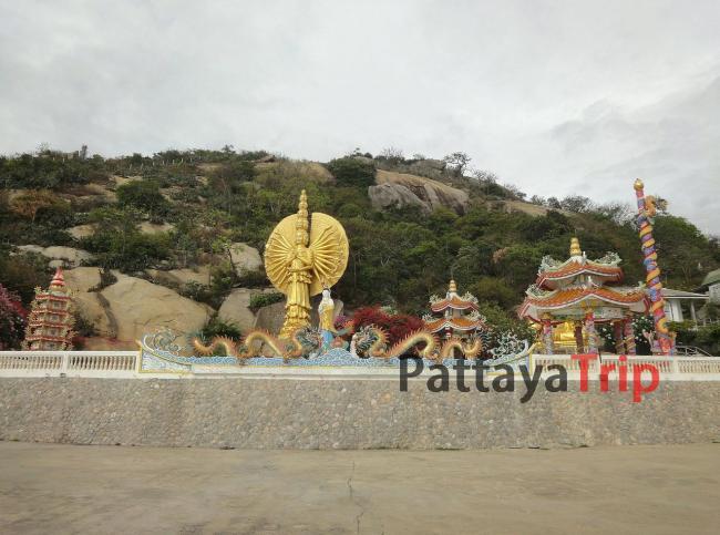 Китайский храм на горе Khao Takiab в Хуа Хин