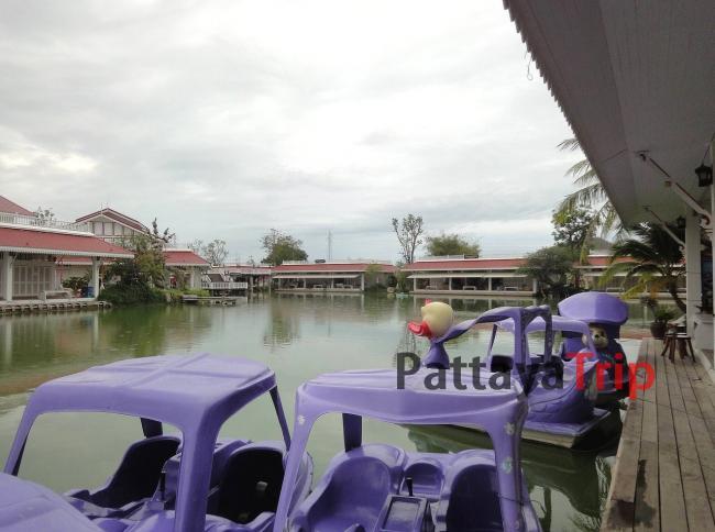 Плавучий рынок в Хуа Хин