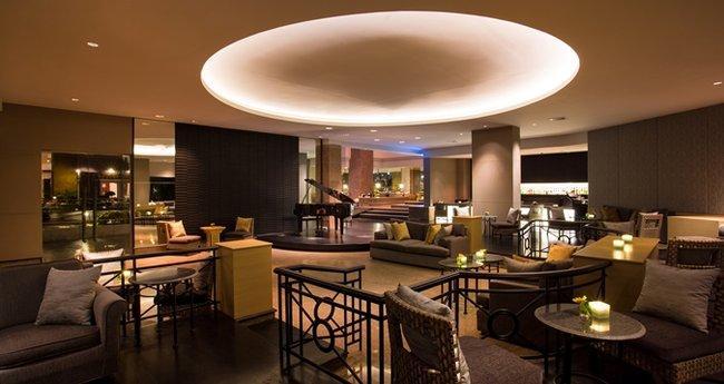 DECA lounge bar
