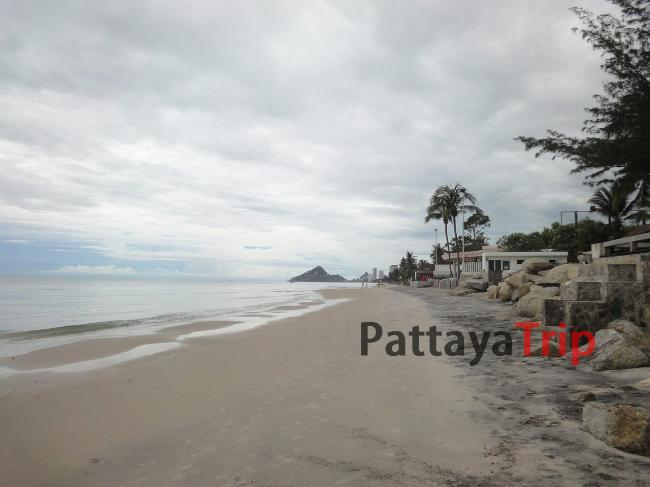 Южная часть пляжа в Хуа Хин