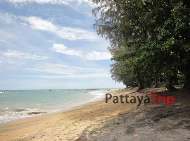 Центральная часть пляжа Нанг Тонг в Као Лак