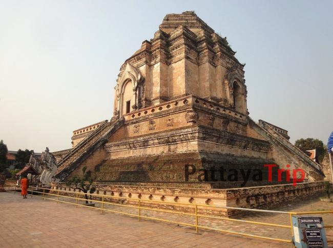 Ват Чеди Луанг в Чианг Мае