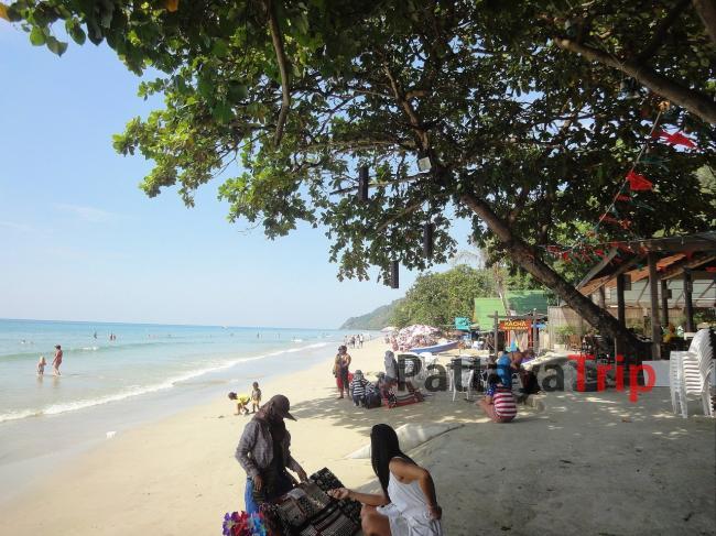 Прилив на побережье Ко Чанг
