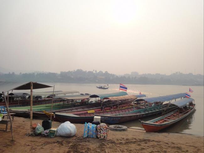 Виза ран в Лаос из Тайланда. Лодки в Лаос