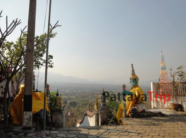Храм Wat Phrathat Mae Yen