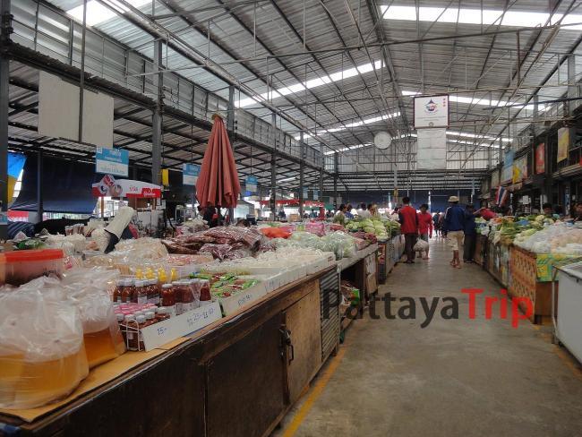 Продовольственный рынок в Пае, работает целый день