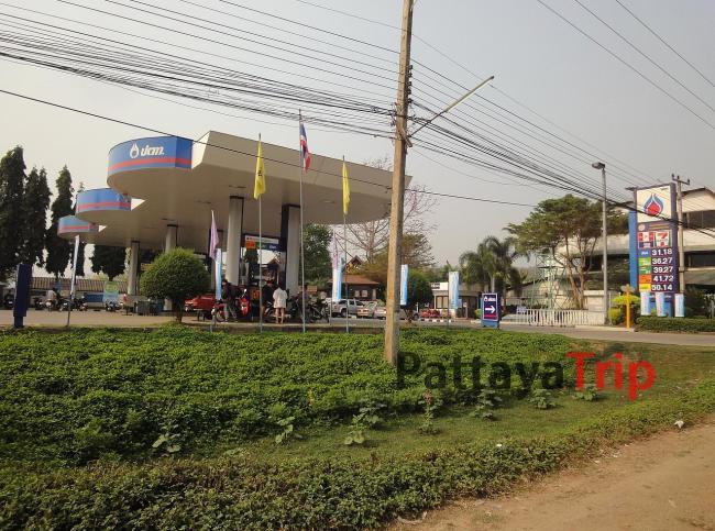 Бензозаправка в Пае