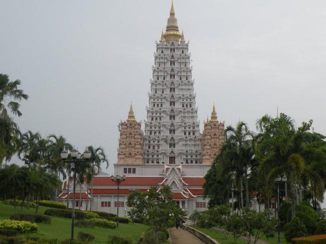 Храмовый комплекс Ват Ян в Паттайе