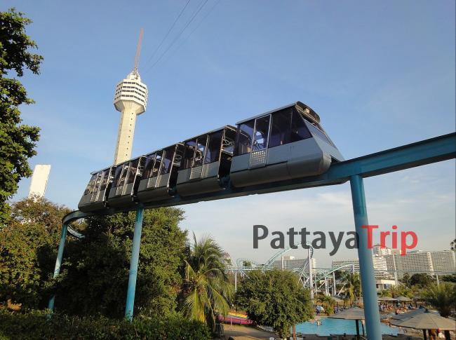 Монорельсовые вагончики в парке аттракционов в Паттайе