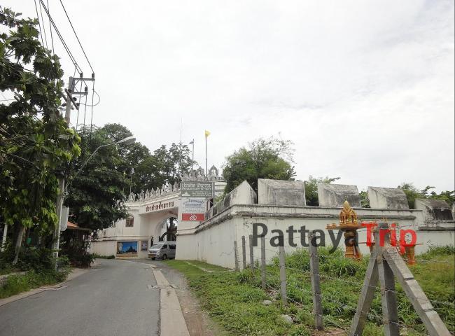 Вход в Храм Истины в Паттайе