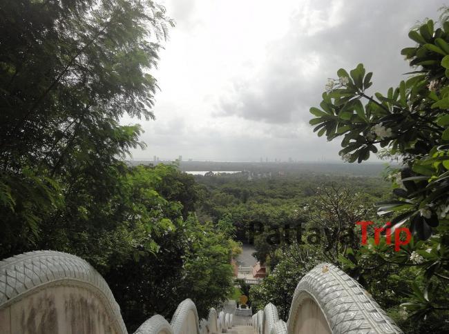 Смотровая площадка рядом с храмом Ват Ян в Паттайе