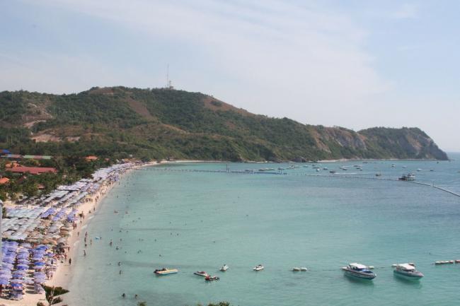 Пляж на Ко Ларн