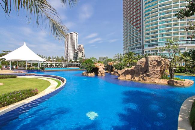 White Sand Beach Residence Pattaya