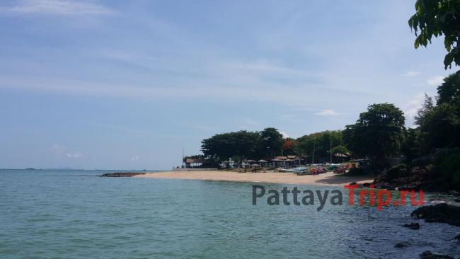 Пляж отеля The Monttra Pattaya