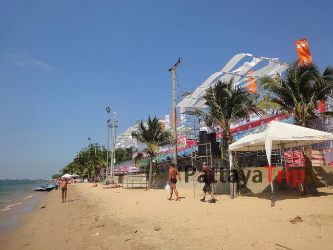 Октябрь. Пляж Джомтьен