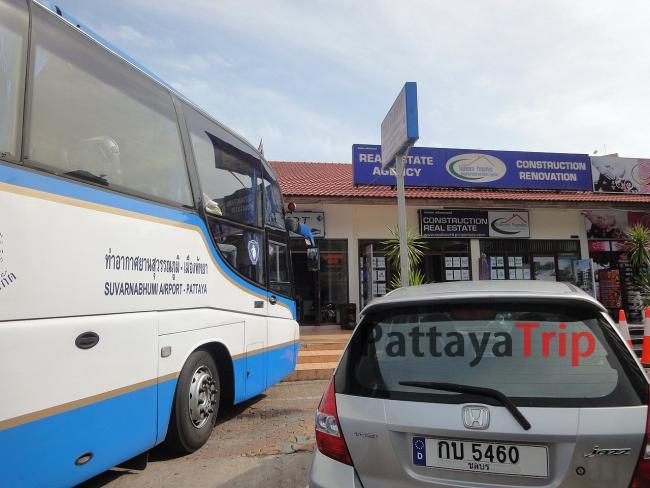 Остановка автобусов на автовокзале Тапрайя