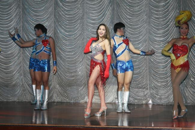 Шоу Тиффани в Паттайе. Цена 769 бат - Online-Pattaya.ru | 433x650