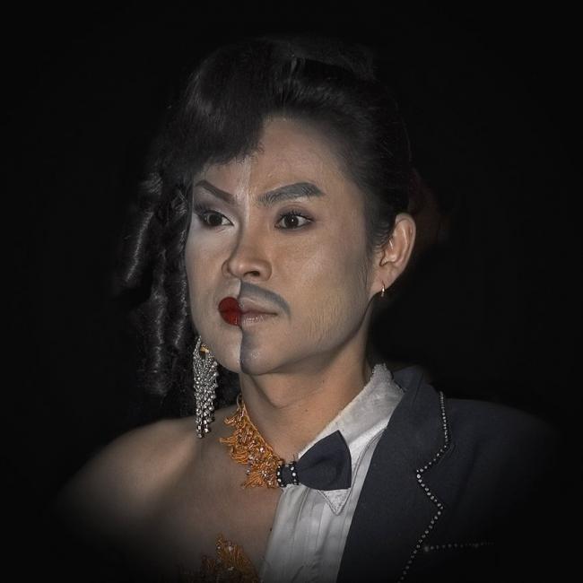 Трансвестит, артист шоу «Альказар»