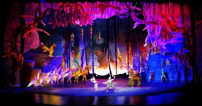 Сцена из шоу Сиам Нирамит в Бангкоке