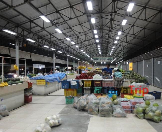 Крытый рынок в Бопхут