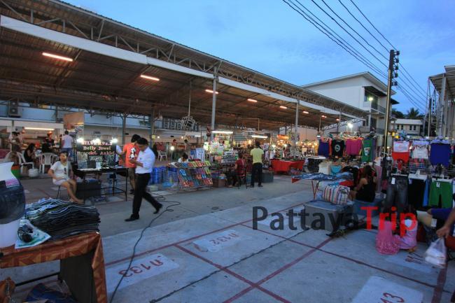 Рынок на Волкинг Стрит на Чавенге (Самуи)