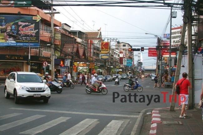 Уличное движение в Паттайе