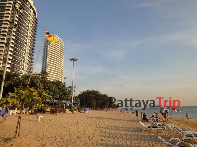 Пляж Донг Тан в Паттайе
