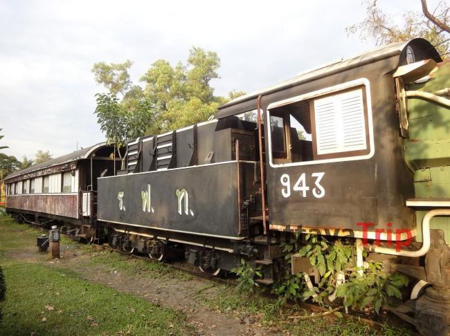 Старый железнодорожный состав