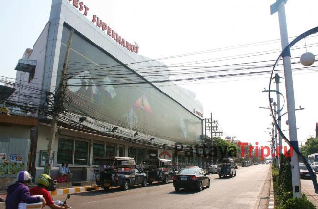 Центральный вход в Best Supermarket