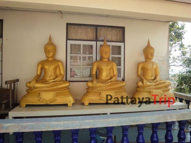 Статуи сидящих Будд