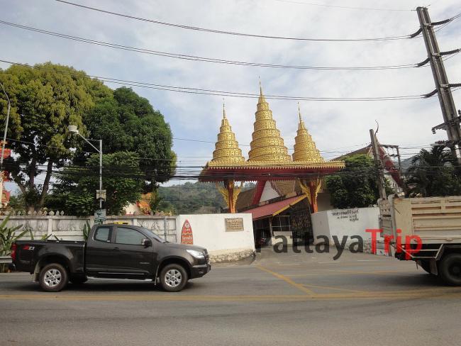 Вход в храм на Патонге