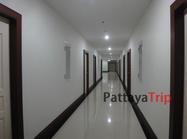 Корридоры на этажах Green Places Condominium на Пхукете