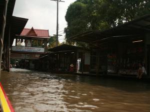 Плавучий рынок Садуак Дамноен в Бангкоке