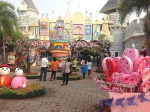 Парк Дрим Ворлд в Бангкоке