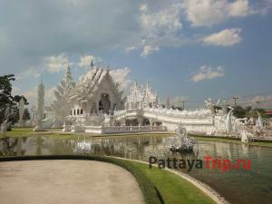 Белый храм в Чианграй