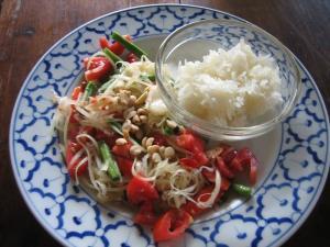 Сом Там - салат из Папайи