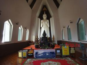 Будда в Ват Сала Лой