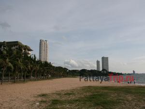 Пляж Бан Ампур в Паттайе