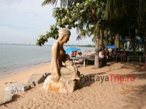 Пляж Банг Сарай недалеко от Паттайи