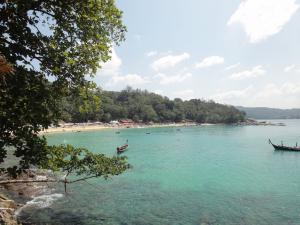 Пляж Laem Sing на Пхукете