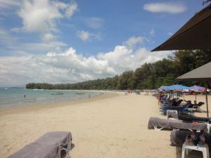 Центральная часть пляжа Най Янг