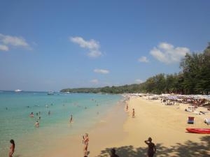 Пляж Сурин, остров Пхукет